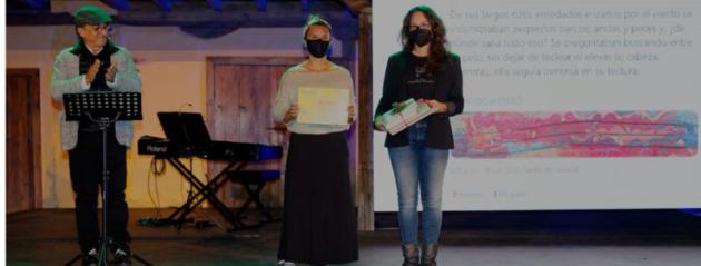 Mara Arnalda, en representación de la Escuela de Vela Navegantes de Arona, gana el V Concurso de #microcuentols